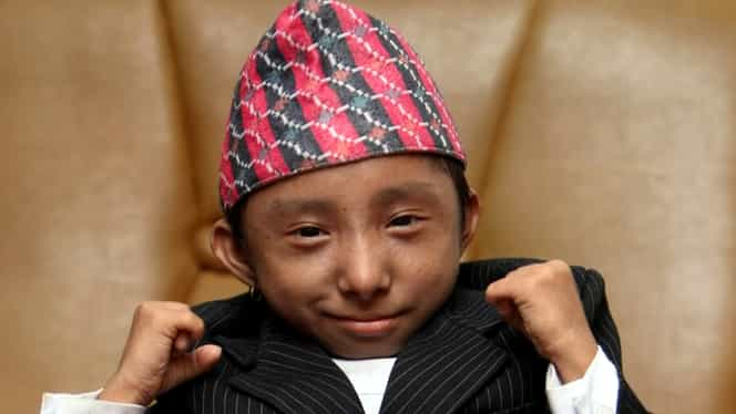 A murit nepalezul care deținea recordul de cel mai scund bărbat din lume! Avea doar 28 de ani