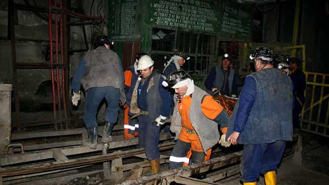 15 noiembrie, semnificaţii istorice! Opt mineri şi patru salvatori au murit într-o explozie din mina Petrila