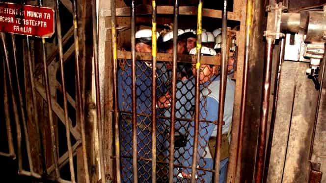 Zeci de mineri de la Salina Ocna Dej s-au blocat în subteran. Oamenii sunt supărați că nu au primit vouchere de vacanță
