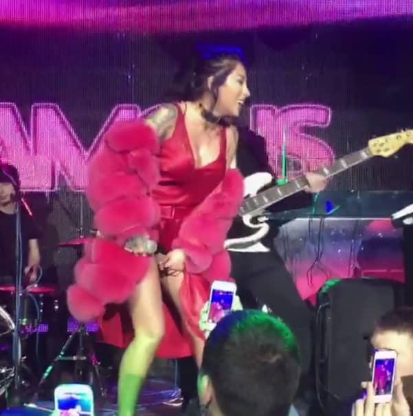 GAFA ANULUI! Avea Ruby lenjerie sau nu?! Doamne, ce a făcut cu mîna aseară la Chişinău! Moldovenii din primul rînd au filmat tot!