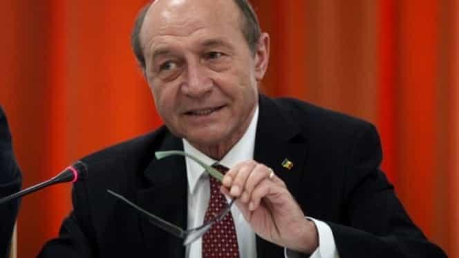 """Traian Băsescu, toate tunurile pe Dan Barna! """"OLAF-ul este obligat să se sesizeze. Ce o căuta omul ăsta la candidatura la Cotroceni? E un neînțărcat"""""""