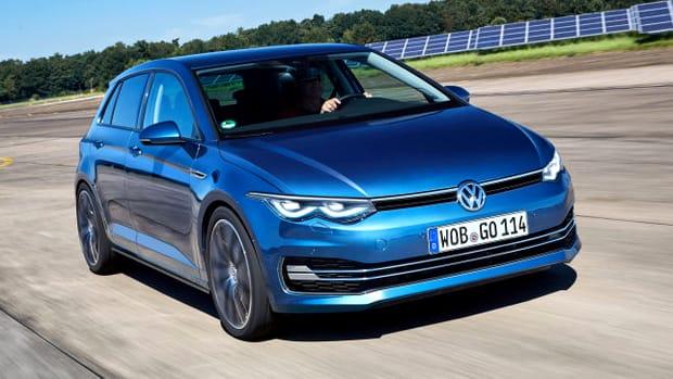 Nemții de la Volkswagen vor începe mai exact producția noii generații de Golf, cel mai vândut hatchback din Europa, la începutul verii 2019.