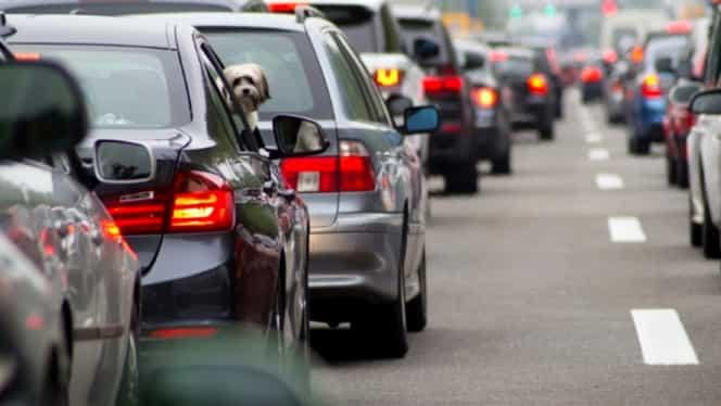 Taxe uriașe pentru mașinile care poluează! Lista autoturismelor care nu mai pot intra în centrul Capitalei