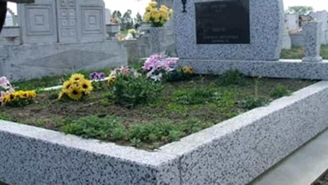 Poveste impresionantă! O fetiță din Bistrița a înviat la propria înmormântare