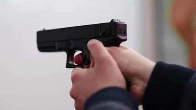 Poliţist din Olt împuşcat în cap de iubita sa jucăuşă!
