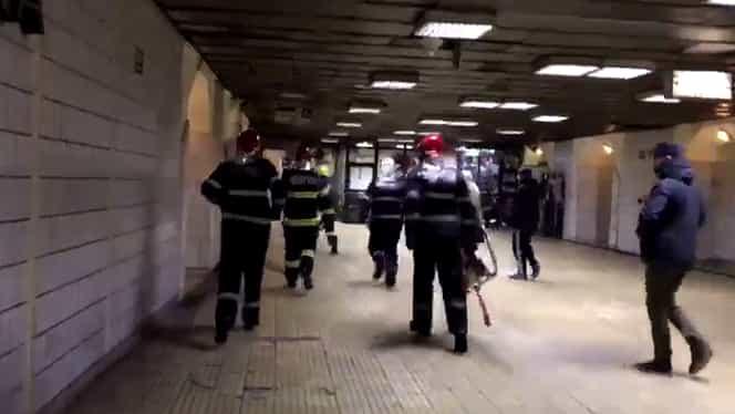 BREAKING NEWS. Accident la metrou, la Piaţa Romană. Victima a decedat VIDEO