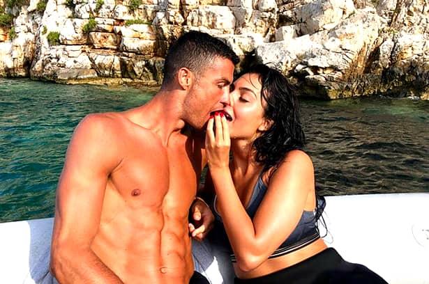 Georgina Rodriguez, iubita lui Cristiano Ronaldo, este super sexy