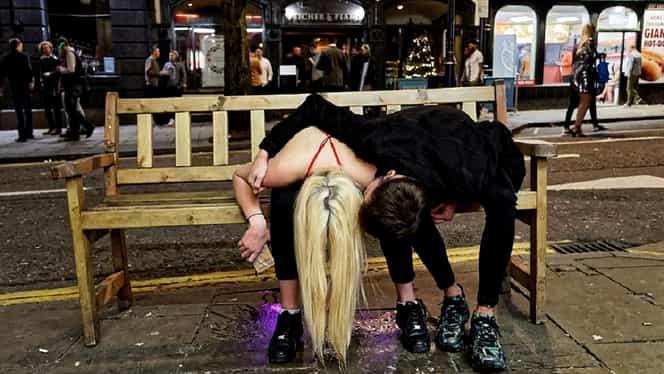 S-au făcut praf de Revelion! Imaginile ruşinii după petrecerea fabuloasă din noaptea dintre ani