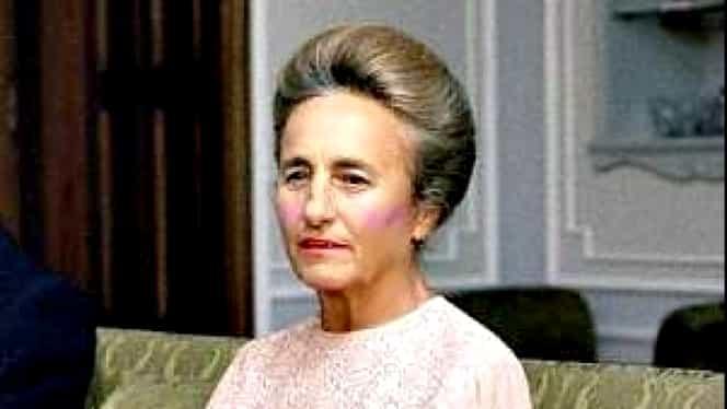 Detaliul şocant descoperit după deshumarea Elenei Ceauşescu. Soţia lui Nicolae Ceauşescu avea dinţii gravaţi
