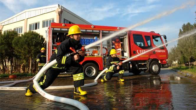 Explozie puternică într-un bloc turn din Suceava! Pompierii intervin la fața locului