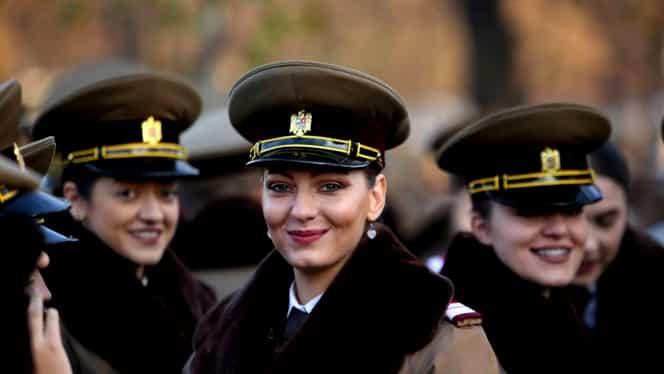 Parada de 1 Decembrie București. Cele mai frumoase femei în uniformă militară