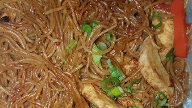 Rețeta zilei: Spaghete chinezești. Secretul unui preparat delicios. E gata în mai puțin de 30 de minute