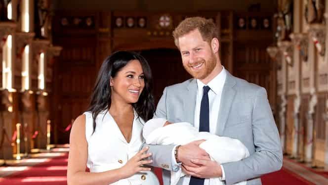 Ce i-a spus în șoaptă prințul Harry lui Meghan Markle, când și-au prezentat public copilul