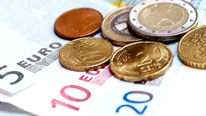 CURS BNR. Euro şi dolarul, pe creştere