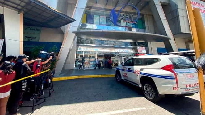 Împuşcături și luare de ostatici într-un mall din Filipine. Poliţia negociază cu atacatorul