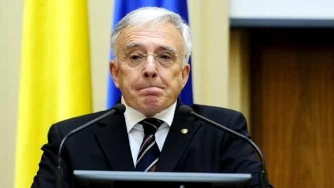 """Mugur Isărescu, despre """"taxa pe lăcomie"""": Nu vii în prag de Crăciun cu o bombă! Sunt pasaje care nu sunt clare"""