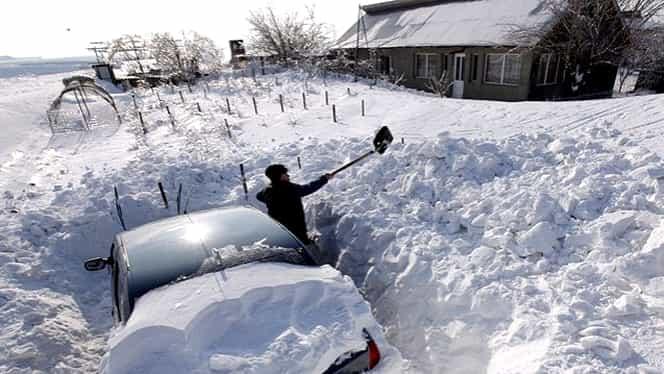 Un întreg oraş acoperit de zăpadă! Autorităţile au decretat stare de urgenţă!