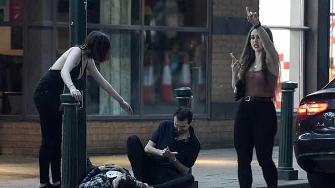 Dezmăț total la petrecerile de Paște! Cum au ieșit aceste tinere, fără rușine, din club FOTO