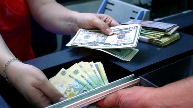 Leul se întăreşte faţă de valute şi aur, dar scade faţă de dolar