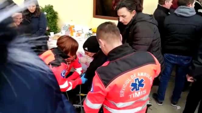 Scene cumplite la înmormântarea copiilor arși de vii la Timișoara. Mama lor a avut nevoie de îngrijiri medicale