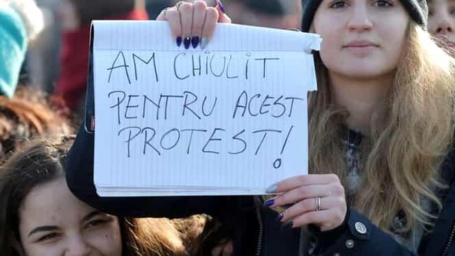 Smaranda a murit! De ce boală suferea fetița simbol de la protestele din Piața Victoriei