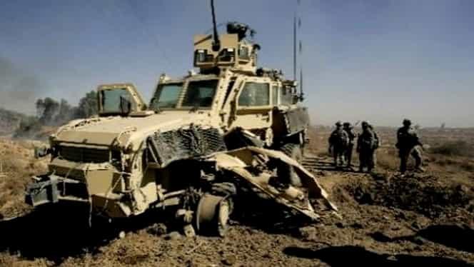 Unul dintre cei trei militari români răniţi în Afganistan a murit la spital. Au fost surprinşi de o maşină-capcană