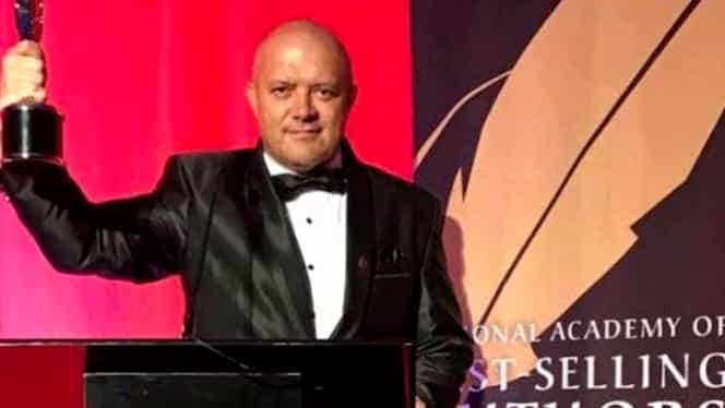 Român, premiat la Hollywood pentru un bestseller care face furori în America