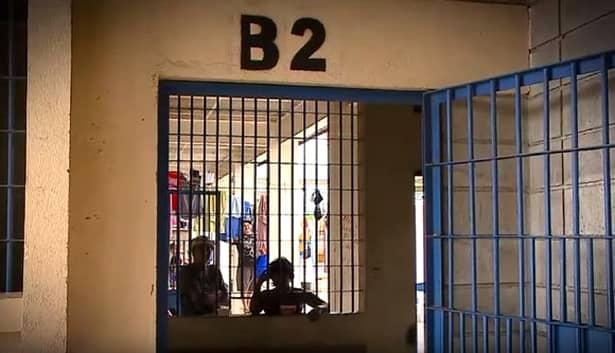 Fosta boldă din politică se afla într-o cafenea în clipa în care poliția locală a intervenit pentru reținerea sa. Cele două femei au fost ridicate de pe străzile San Jose și duse la închisoarea de maximă siguranță de femei El Buen Pastor.