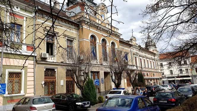 Primăria din Deva, închisă după ce primarul, fiica acestuia și administratorul au fost depistați cu COVID-19