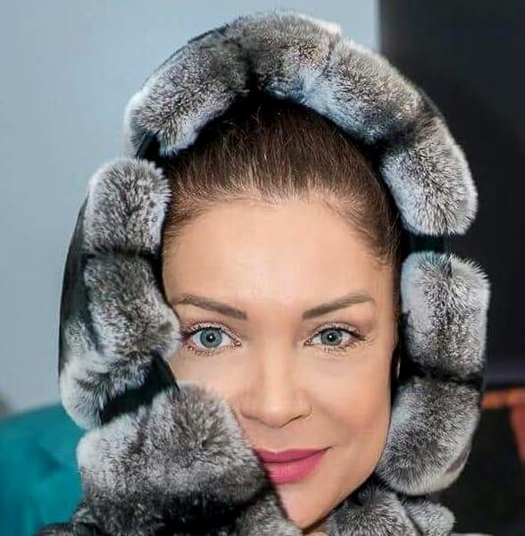 Eugenia Şerban s-a născut pe 13 noiembrie 1969, la Bucureşti. A fost căsătorită cu un bărbat de origine arabă, dar de care a divorţat la doi ani de la naşterea unicului fiu. În 2014, Eugenia Şerban a avut grave probleme de sănătate şi a fost nevoită să îşi extirpeze ambii sâni, după un malpraxis al implanturilor mamare.