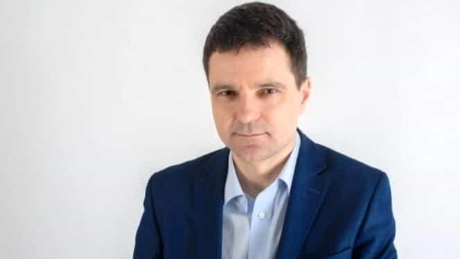 Ce avere are Nicușor Dan, candidatul susținut de PNL pentru Primăria Capitalei! Are o mașină veche de 30 de ani și este înglodat în datorii