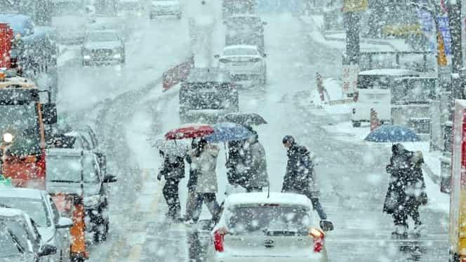 Prognoza meteo duminică, 16 decembrie: ploi și ninsori