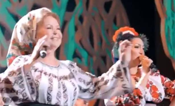 Andra a schimbat 7 ținute la concertul de la Sala Palatului! Una dintre ele era veche de 60 de ani