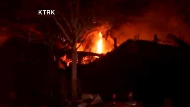 Explozie puternică în Houston! O clădire industrială și mai multe locuințe au luat foc
