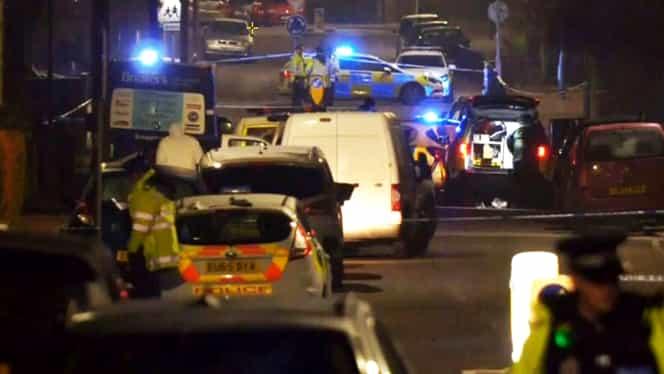 Accident deliberat în Londra. Un elev a murit și alte cinci persoane au fost rănite