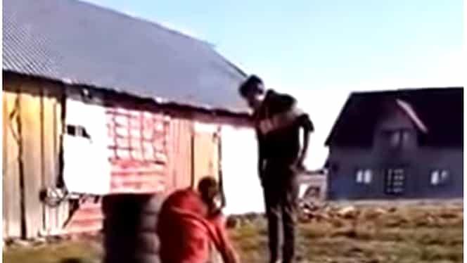 Adolescenta din Suceava bătută cu biciul, internată într-un centru de asistenţă socială. Minora este însărcinată în 5 luni