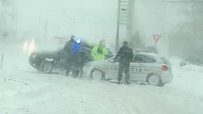 INFOTRAFIC. Cinci drumuri, închise după codul portocaliu de ninsori! Zonele afectate