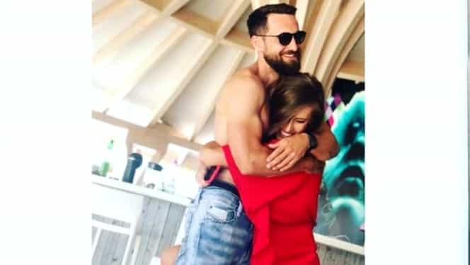 Dani Oțil se însoară! I-a cerut mâna modelului Gabriela Prisăcariu, în însoritul Mexic