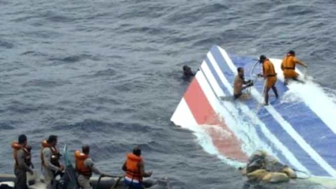 Momente dramatice! Un avion a căzut în gol 6.000 de metri! Ce au făcut pasagerii
