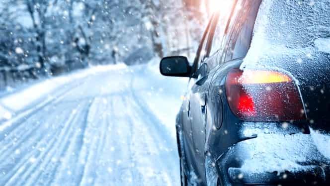 Iarna și-a intrat în drepturi în mai multe zone din țară. Poliția Rutieră a anunțat care sunt drumurile cu zăpadă