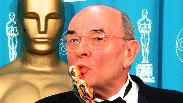 A murit regizorul Stanley Donen, câștigător la Oscar și creatorul musicalului Singing in the Rain