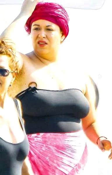 Oana Roman a renunțat la haine! Cum arată în costum de baie