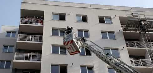 Incendiu puternic, într-un bloc din Cluj. A fost activat planul roșu de intervenție
