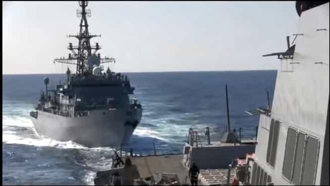 Incident militar în Marea Arabiei, în care au fost implicate o navă rusă și una americană! Impactul a fost evitat cu greu. Video