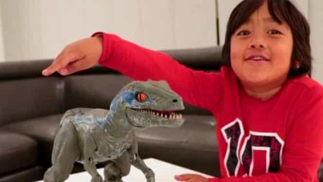 Cine e copilul de 8 ani care a câștigat 22 de milioane de dolari pe youtube! Iată ce a făcut!