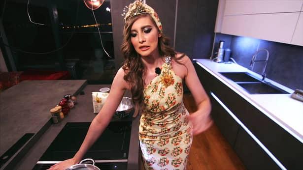Cum arată Iulia Albu fără machiaj. Vedeta TV a postat pe Instagram imagini cu ea nemachiată FOTO
