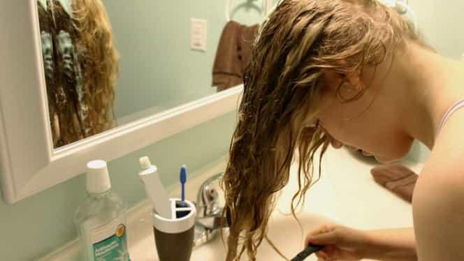 Ce se întâmplă dacă îţi speli părul cu bicarbonat de sodiu! Toate femeile trebuie să ştie asta