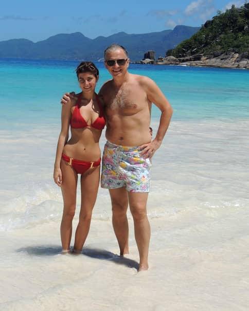 Ana, fiica lui Mircea Geoană, în ipostaze tentante la un concurs de tricouri ude – Foto