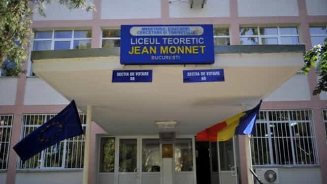 Scandal la votare. Jurnaliştii acreditaţi ar fi fost interzişi la secţia unde votează Klaus Iohannis. Situaţia, rezolvată de şeful AEP – UPDATE