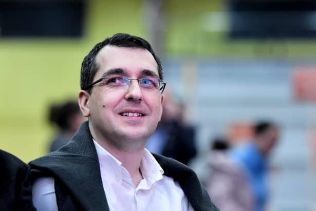 Vlad Voiculescu, lider în sondajele pentru Primăria Capitalei! Voiculescu